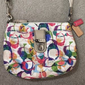 💕 Coach medium multicolored crossbody beautiful